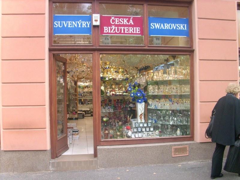 Čistenie, umývanie okien, výkladov a žalúzií Bratislava
